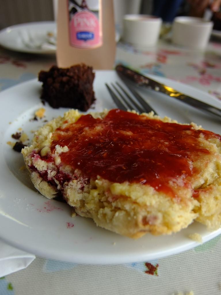 Irish scones with jam and cream